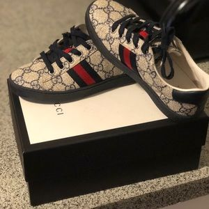 Sz 12/30 authentic Gucci sneakers